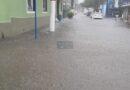 Chuva intensa deixa ruas do Centro de Maricá totalmente alagadas