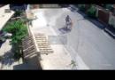 Homem é flagrado furtando lixeira em Maricá