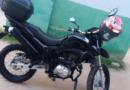 Motoboy tem moto roubada por criminosos armados em Itaipuaçu