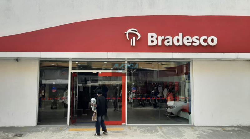 Mulher é assaltada em frente à agência do Bradesco em Maricá